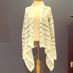 Fully Hicks cream wrap/cardigan